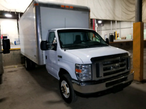 2013 Ford E450 Cube truck