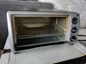 Black + Decker Toaster Oven, used