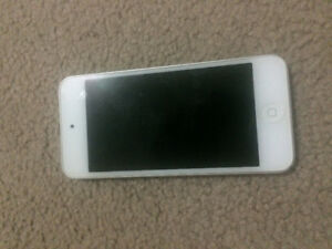 iPod touch 5 32GB with box CHEAP