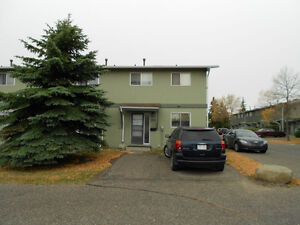 Spacious 3 bedrooms 1.5 batch 2 storey townhouse Silver Springs