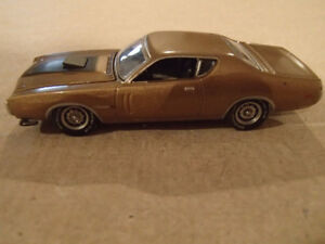 1:64 SCALE DIE-CAST GREENLIGHT BJ 1971 DODGE CHARGER R/T HEMI Y8