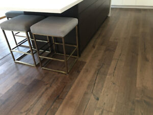 "7""ENGINEERED HARDWOOD FLOORING PREMIUM HANDSCRAPED STLAURENT OAK"