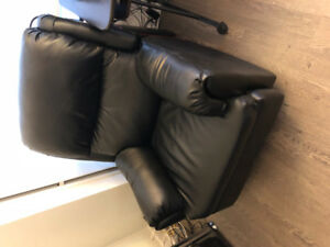 Armchair for sale! With recliner