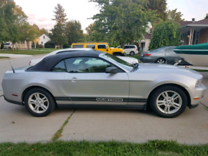 2010 Ford Mustang convertible v6 auto