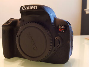 Canon T5i - Perfect Condition