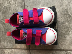Converse All Star 2V toddler shoes size 9T