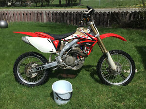 06 crf450r mint w/lots of extras and a rekluse in box