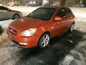 2007. Hyundai Accent 5 speed manual with 170000 km,Valid E-Test