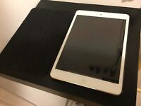 """iPad Mini 64gb white WiFi & 4G 7.9"""""""