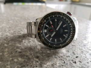 Seiko slide rule bezel watch SSA005J1
