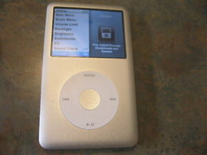 Apple iPod classic 6th Generation Silver (80 GB)with 175cm Apple