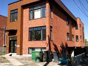 8 1/2 Ville Saint-Laurent NEUF / NEW