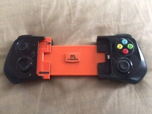 MOGA iphone4 video game controller