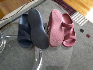 Deux paires de souliers Dawns