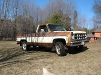 GMC 3/4 ton Sierra Classic 4-speed, with YYZ Package