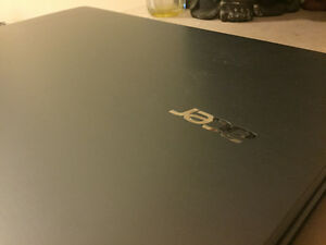 "17.3"" acer aspire E17 for sale bought a year ago"