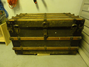 Malle coffre antique - vintage / Antique vintage travel trunk
