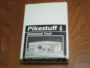 HO scale Pikestuff Diamond Tool building for electric model trai