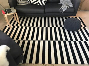 Modern black and white wool Stockholm rug