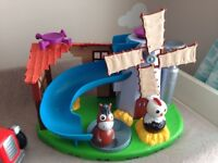 Weebles farm and tractor rrp £50