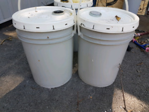 5 gallon pails of industrial carwash degreaser & window cleaner