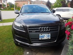 2009 Audi Q7 with Navi/ DVD/ 2 SUNROOFS