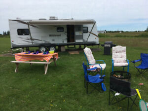 26 ft. travel trailer sleeps up to 9!