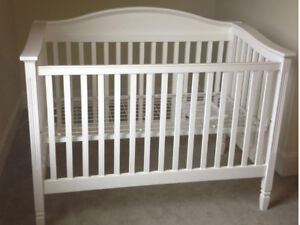 Pottery Barn Madison 3 in 1 Crib White