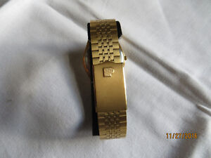 PULSAR MEN'S GOLD/STAINLESS STEEL WATCH w ORIGINAL CASE London Ontario image 2