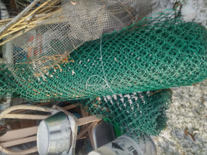 REDUCED Snow/vinyl chain link  fence Approx 100ft  green. W/gate