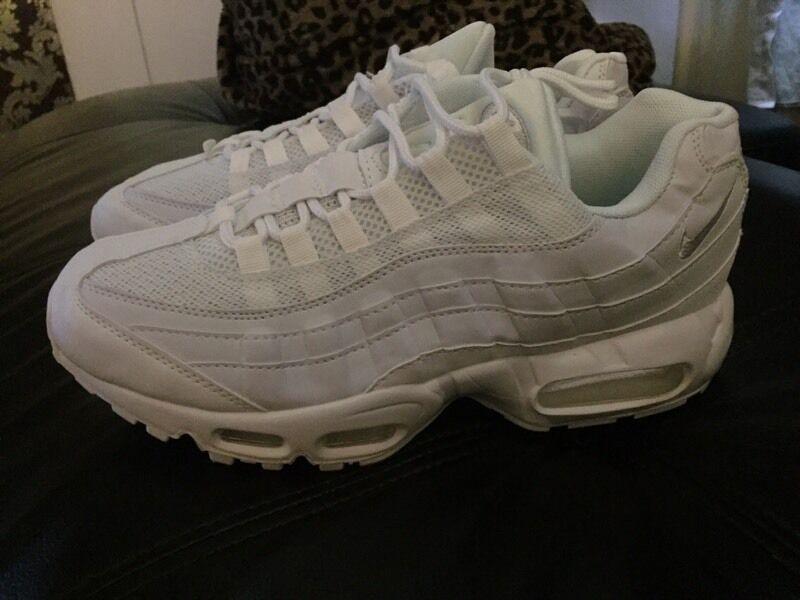 tqkfg Nike air max 95 triple white size 8.5 | in North Shields, Tyne and