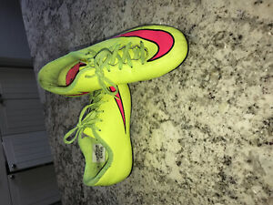 Cleats woman size 7