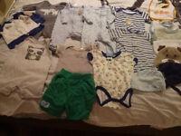 Baby clothes / vetement bebe
