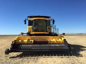 New holland 9070 combine. 2011