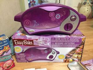 Four de rêve - Easy-Bake    25.00 négociable
