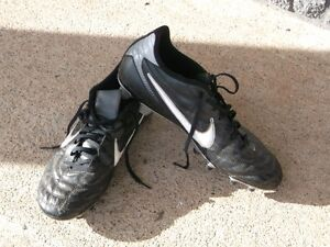 Football Cleats Mens Sizes 11 and 11.5