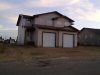 Free - 1st Month Rent! 4 bdrm 1600 sqft house for rent