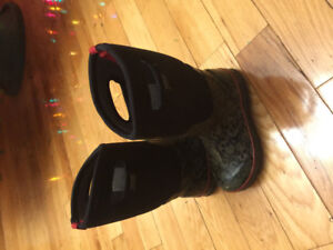Size 3 Boys Bogs Winter Boots