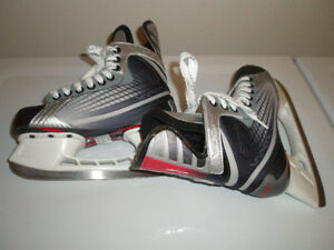 Boy's, Men's, Ladies Ice Skate Used in Good Condition, 8 J to 11