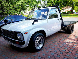 Toyota Pickup 1980 (Hilux) Dually - Flatbed