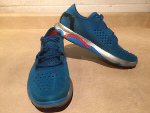 Women's Under Armour Speed Foam Light Running Shoes Size 8.5 London Ontario image 6