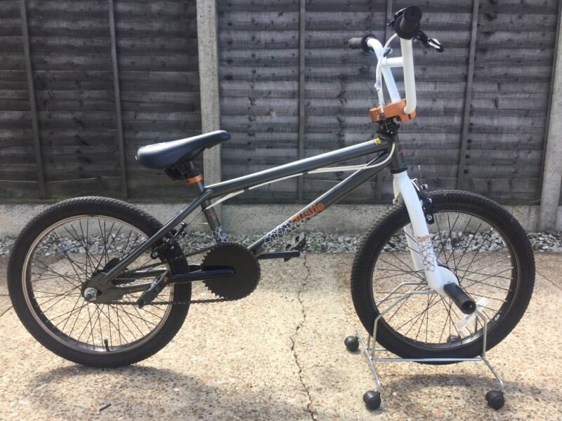X RATED HUSTLE BMX BIKEin Kesgrave, SuffolkGumtree - This bike is made by X RATED it has 360 handlebars, Alloy rims front stunt pegs and matching seat. It is in excellent condition and priced to sell. Please contact me for more information or to view