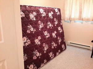Queen Mattress & Box Spring In Creston