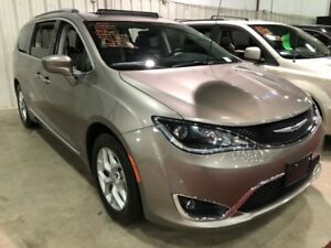 2018 Chrysler Pacifica Touring-L Plus  w/ DVD, Sunroof, Blind Sp