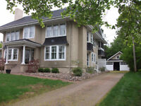 Beautiful Wolfville home just minutes from Acadia!