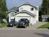 Beautiful Well Maintained 4 Level Split Home in Crowsnest Pass