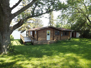 Year Round Waterfront Cottage - 388 Bayshore Road