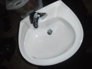 Pedestal Sink with chrome faucet