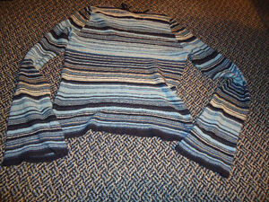Ladies Size XL Very Lightweight Stripped Long Sleeve Sweater Kingston Kingston Area image 2