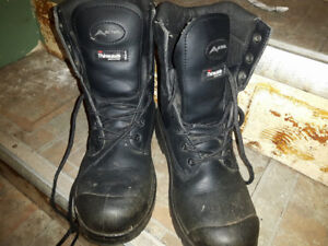 For sale size 6 ladies steel toe boots